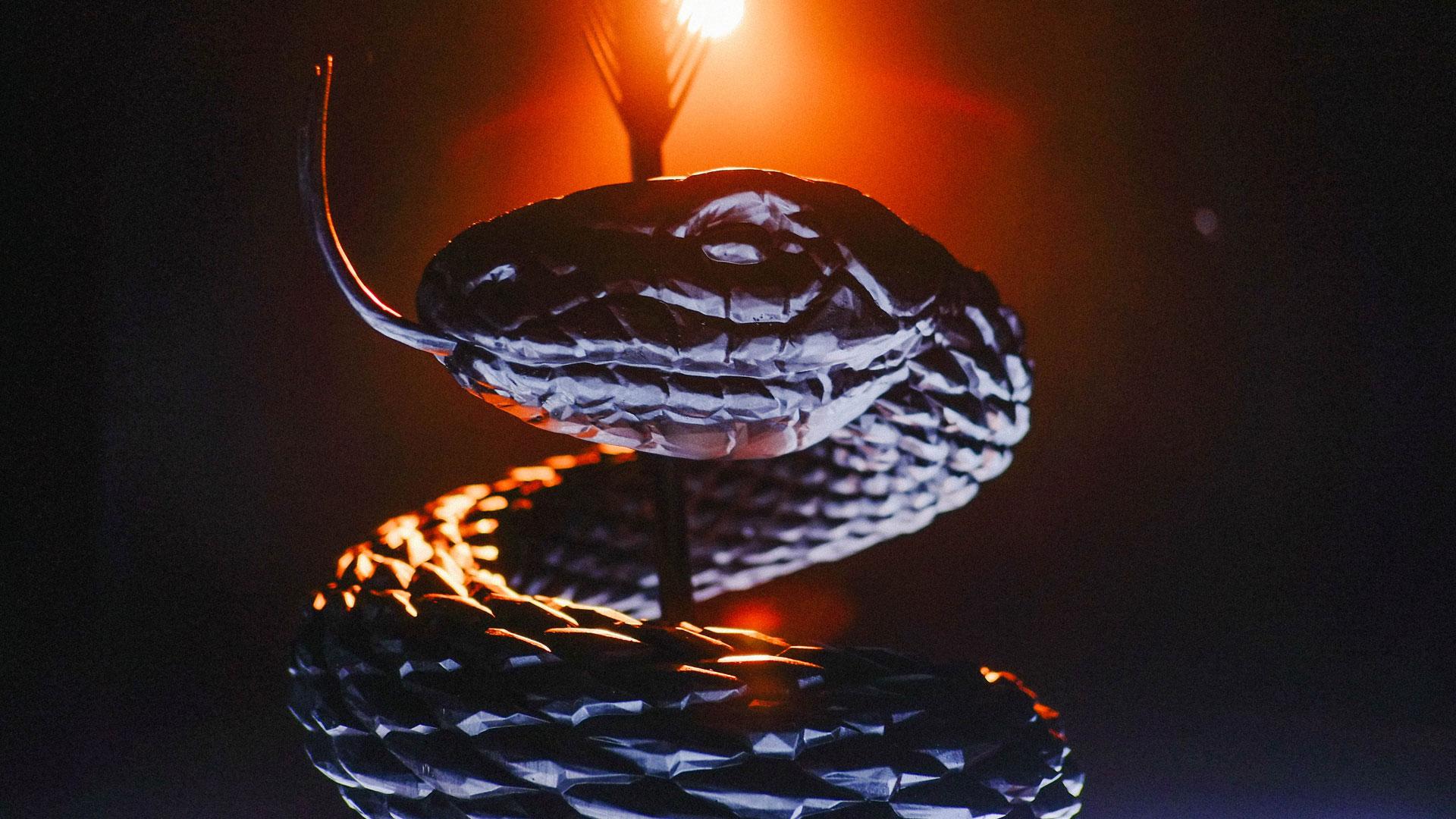 Snake_sculpture